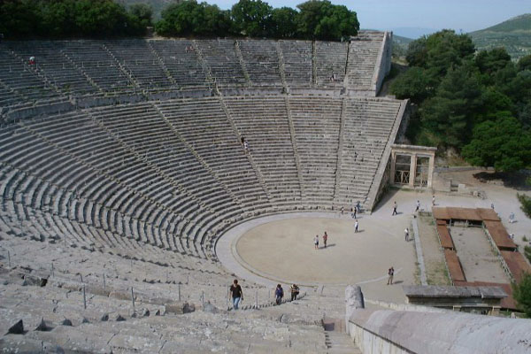 Archivo:Greece Epidauros - ancient theatre.jpg