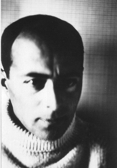 Archivo:El Lissitzky self portrait 1914.jpg