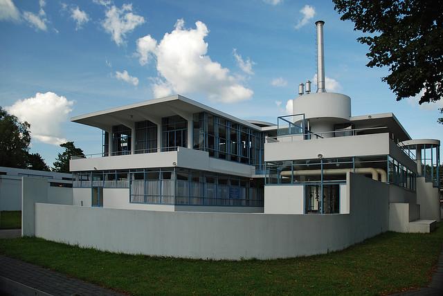 Archivo:Duiker y Bijvoet.Sanatorio Zonnestraal.2.jpg