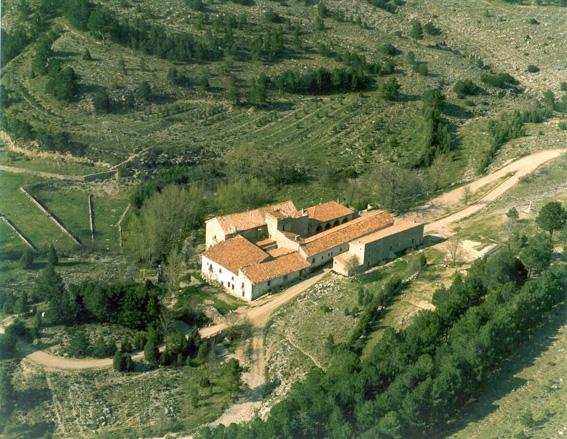 Archivo:Santuario de San Juan Bautista de Peñagolosa y Santa Bárbara.jpg