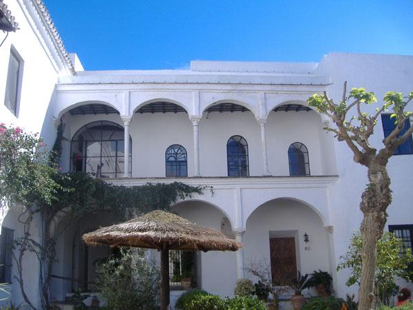 Archivo:Palacio ducal MedinaSidonia.Jardines.4454.JPG