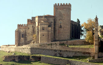 Iglesia Prioral de Aracena (vista frontal)