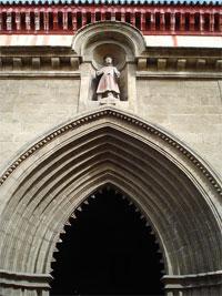 Arco Ojival de Catedral San Esteba [1]