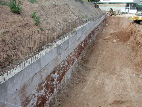 Construcción de Muro de Contención
