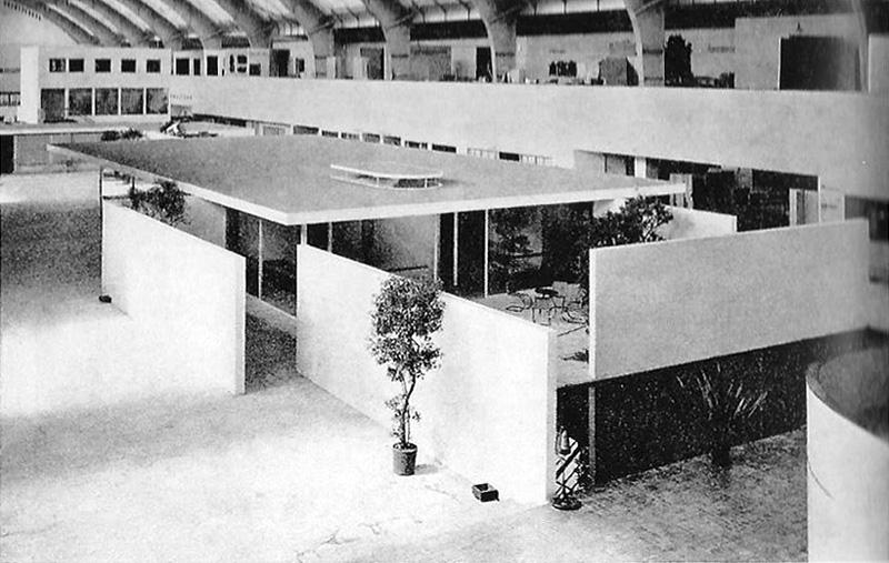 Casa para una pareja sin hijos urbipedia archivo de for Casa minimalista de mies van der rohe