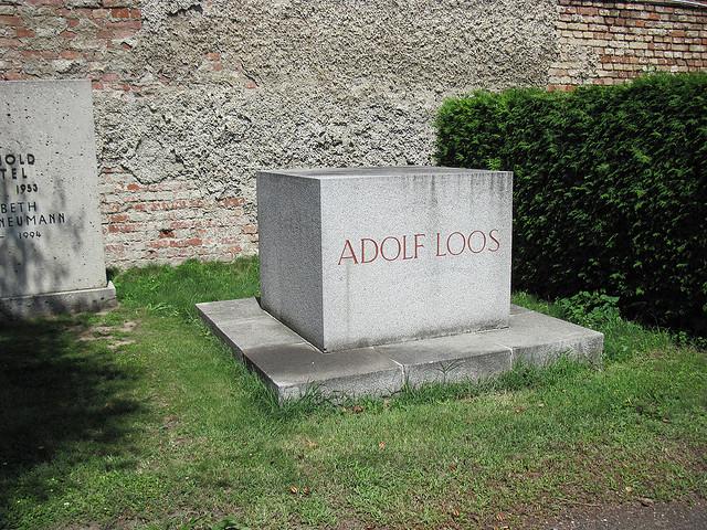 Tumba de Adolf Loos - Urbipedia - Archivo de Arquitectura