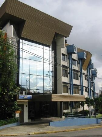 Archivo:Universidad Latinoamericana de Ciencia y Tecnologia (1).JPG