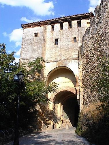 Puerta de santiago segovia urbipedia archivo de - Puerta de segovia ...