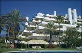 """Apartamentos """"Las Terrazas"""" en Punta de La Mona, La Herradura, Granada. (1964-1965), junto con Antonio Miró."""