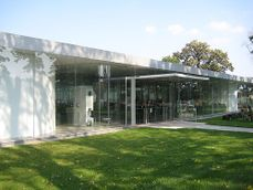 Sanaa.Pabellon de Cristal. Toledo Museum of Art.2.jpg