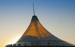 Centro de ocio Khan Shatyr, Astana, Kazajistán (2006-2010)
