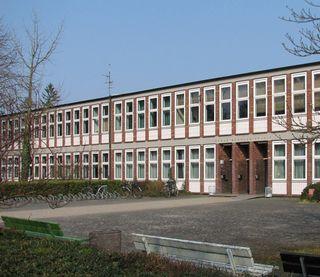 Escuela secundaria Georg Büchner, Darmstadt (1955-1960) junto con Karl Wimmenauer
