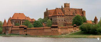 Castillo de Malbork, situado junto al río Nogat