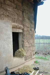 Construcción con Paja - Fuente: Ecohabitar