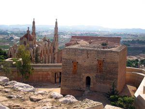 Torre cuadrada del Castillo de la Mola