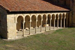 Monasterio de San Miguel de Escalada 57 by-dpc.jpg