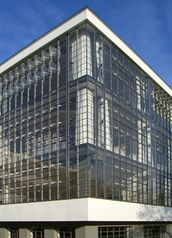 Gropius.Edificio Bauhaus.7.jpg
