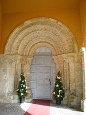 Monasterio de San Pedro de Villanueva - Portada.jpg
