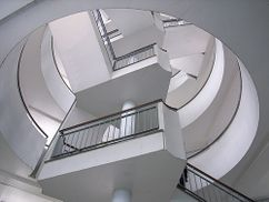 Edificio de viviendas Bevin Court, Londres (1946-1954)