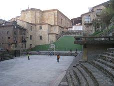 Ganchegui.PlazaTrinidad.5.jpg