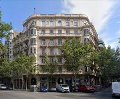 Edificios de viviendas en Valencia esquina a Muntaner, Barcelona (1930)