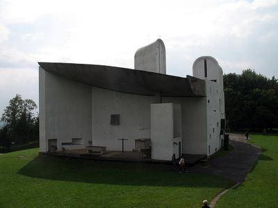 Ronchamp chapel3.jpg