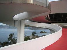 Niemeyer.MuseoNiteoi.2.jpg