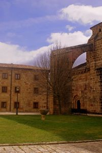 Arco Botarel en Monasterio de Leyre [1]
