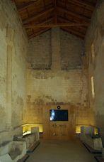 Monasterio de San Miguel de Escalada 01 by-dpc.jpg