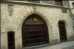 Palacio Casa Del Cordón.jpg