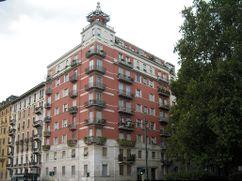 Edificio de viviendas en calle Domenichino, Milán (1928-1933) junto con Emilio Lancia