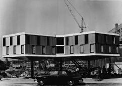 Caseta de obra de los almacenes Bijemkorf, Roterdam (1955-1957)
