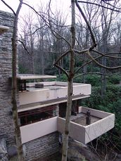 Frank Lloyd Wright - Fallingwater exterior 11.JPG