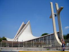 Iglesia de San José Obrero, Monterrey, México. (1958-1959)