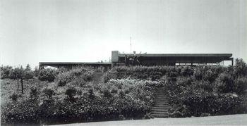 Neutra.CasaMoore.2.jpg