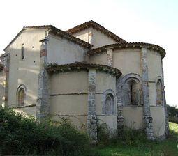 San Antolín de Bedón - Ábsides.jpg