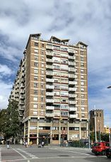 Edificio de viviendas en avenida Meridiana, Barcelona (1961-1963)