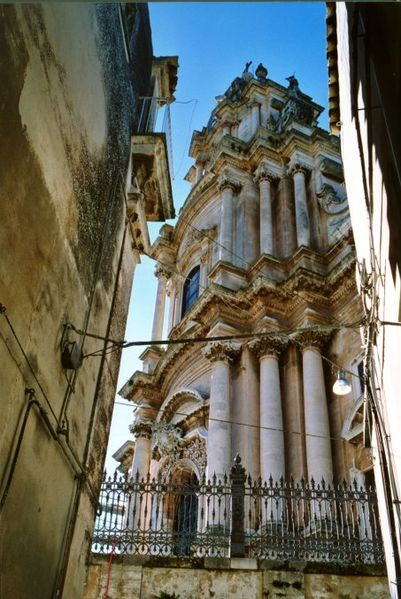Archivo:San giorgio ragusa ibla italy.jpg
