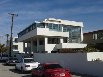 Casa de playa Lovell.jpg