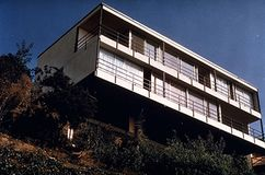 Casa Beagles, 17446 Revello Dr., Pacific Palisades (1963)