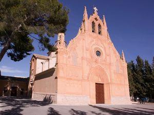Santuario de la Virgen de Gracia, Caudete.jpg