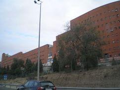 """Bloque de viviendas """"El Ruedo"""", Madrid (1986-1989)"""