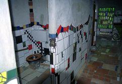 Lavatorios de Hundertwasser en Kawakawa