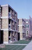 Langham House Close, Ham Common, Reino Unido. (1955-1958), junto con James Gowan.