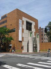 Ampliación del Museo Fogg, Universidad de Harvard, Cambridge, Estados Unidos (1979), junto con Michael Wilford.