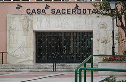 MiguelLopez.CasaSacerdotal.4.jpg