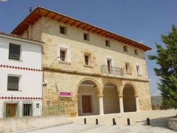 Casa consistorial de Jarque de la Val.jpg