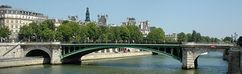 Puente de Notre-Dame en París.