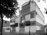 Lavandería en Diemen, Países Bajos (1924-1925), junto con Johannes Duiker.
