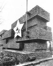 Ludwig Mies van der Rohe, Monumento a Rosa Luxemburg y Karl Liebknecht.2.jpg
